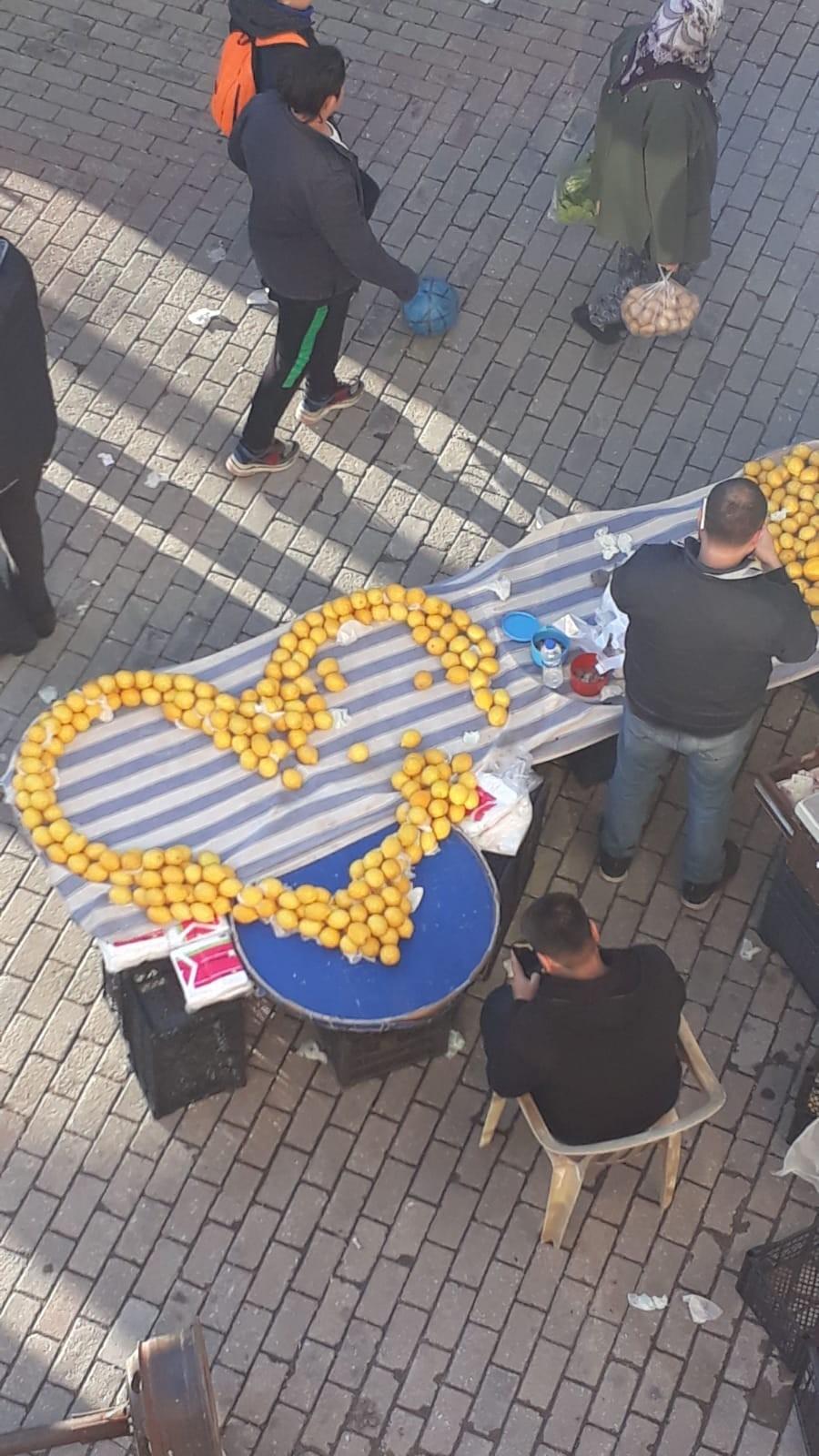 limonlardan kalp yaptı