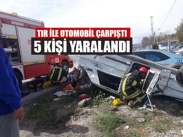 Tır İle Otomobil Çarpıştı 5 Kişi Yaralandı
