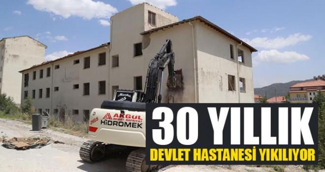 30 Yıllık Devlet Hastanesi Yıkılıyor