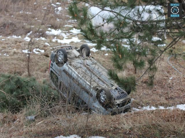 Kütahya Domaniç'te araç şarampole devrildi 5 kişi yaralandı