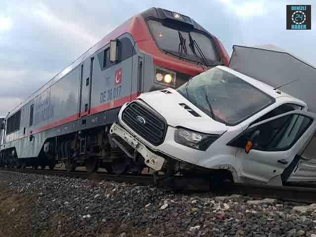 Afyonkarahisar'da Uğur Çankaya kullandığı araca tren çarptı