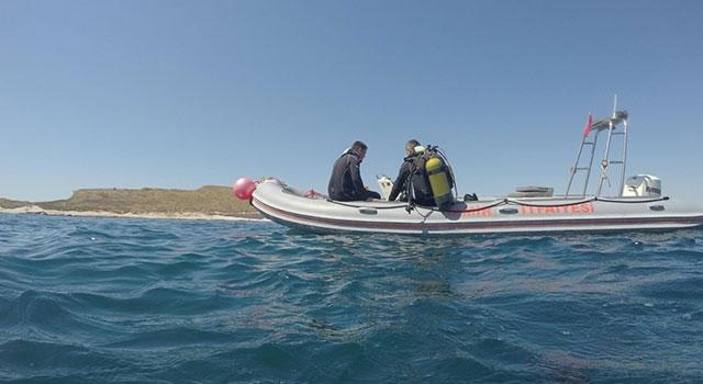 Foça'da teknenin batması sonucu denizde kaybolan Sarp Göksoy aranıyor