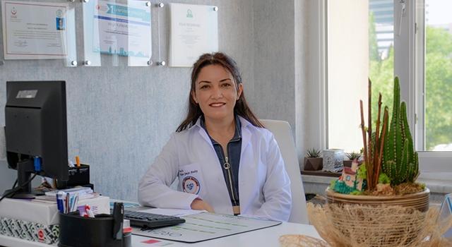 """Doç. Dr. Nilgün Şimşir Atalay Uyardı: """"Hareketsizliğe Bağlı Kilo Artışı Diz Ağrılarına Neden Oluyor"""""""