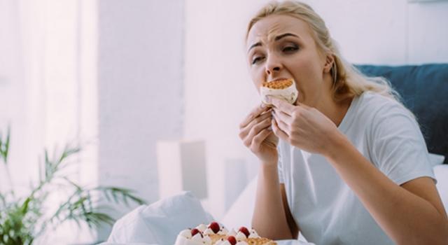 Duygusal Yeme Nedir? Nasıl Başa Çıkabiliriz?
