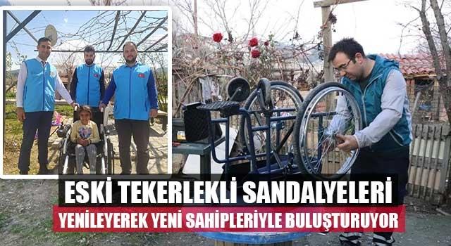 Eski tekerlekli sandalyeleri yenileyerek yeni sahipleriyle buluşturuyor