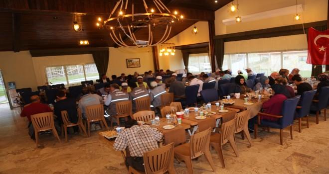 Başkan Arslan Personelini Yemekte Ağırladı