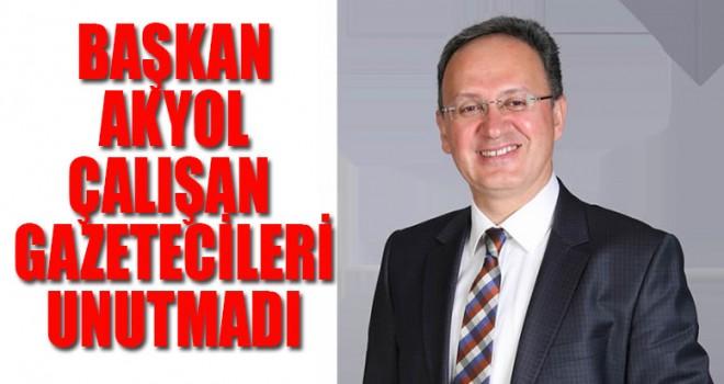 Başkan Akyol, Gazetecileri unutmadı