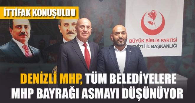 Denizli MHP, Tüm Belediyelere MHP Bayrağı Asmayı Düşünüyor