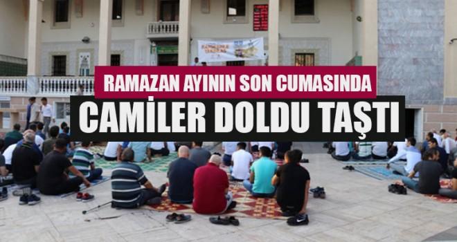 Ramazan Ayının Son Cumasında Camiler Doldu Taştı
