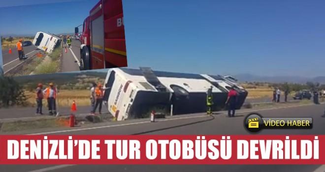 Denizli'de Tur Otobüsü Devrildi