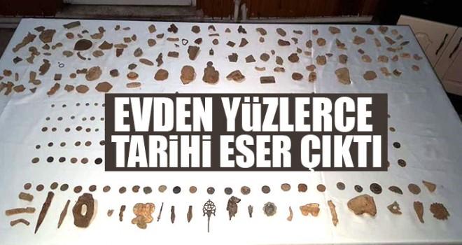 Evinden Yüzlerce Tarihi Eser Çıktı