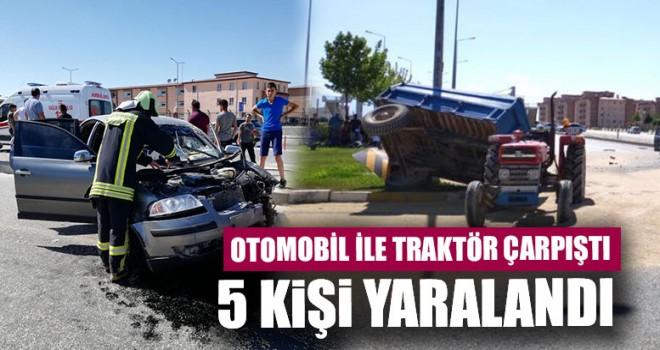 Otomobil İle Traktör Çarpıştı 5 Kişi Yaralandı