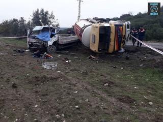 İzmir'de oto kurtarma aracı kamyonla çarpıştı Mustafa Akcan öldü