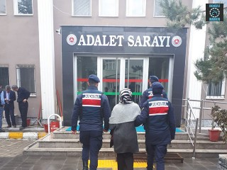 Afyonkarahisar Çay ilçesinden 3 yıldır FETÖ'den aranan kadın yakalandı
