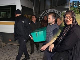 Kula ilçesinde 80 yaşındaki Azime Oral ölü bulundu