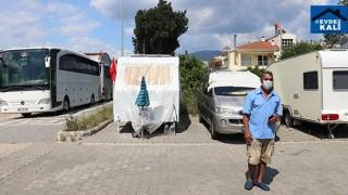 Muğla Marmaris'te Yılmaz Kurban ev kira pahalı olunca karavan aldı