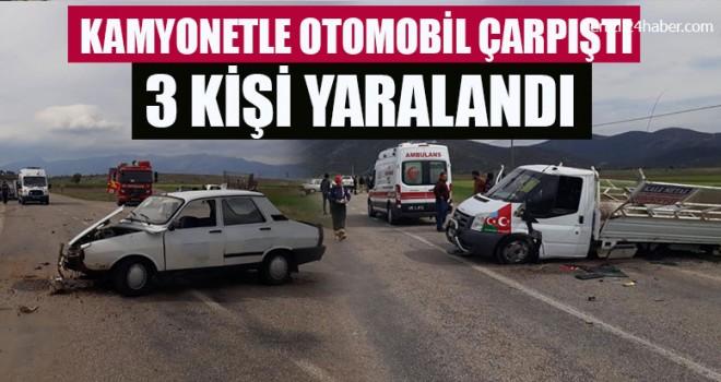 Kamyonetle Otomobil Çarpıştı 3 Kişi Yaralandı