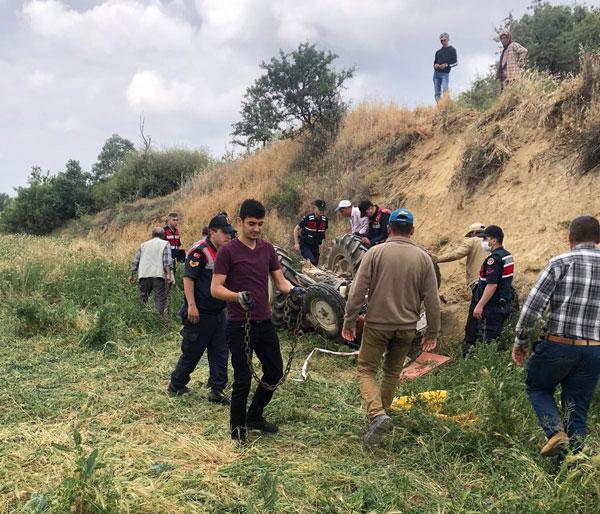 çal traktör kazası