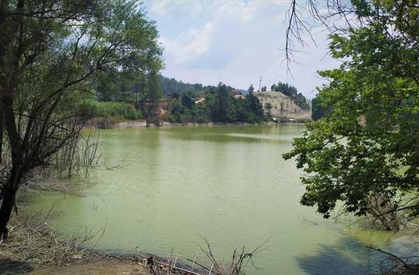 Kusuru Gölü